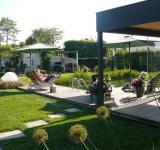 Anebo zahrady prostě jen zažívat, užívat a válet se :-)
